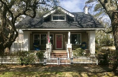 Photo for Location*Location*Location* Adorable Cottage On Pristine Street In Morehead City