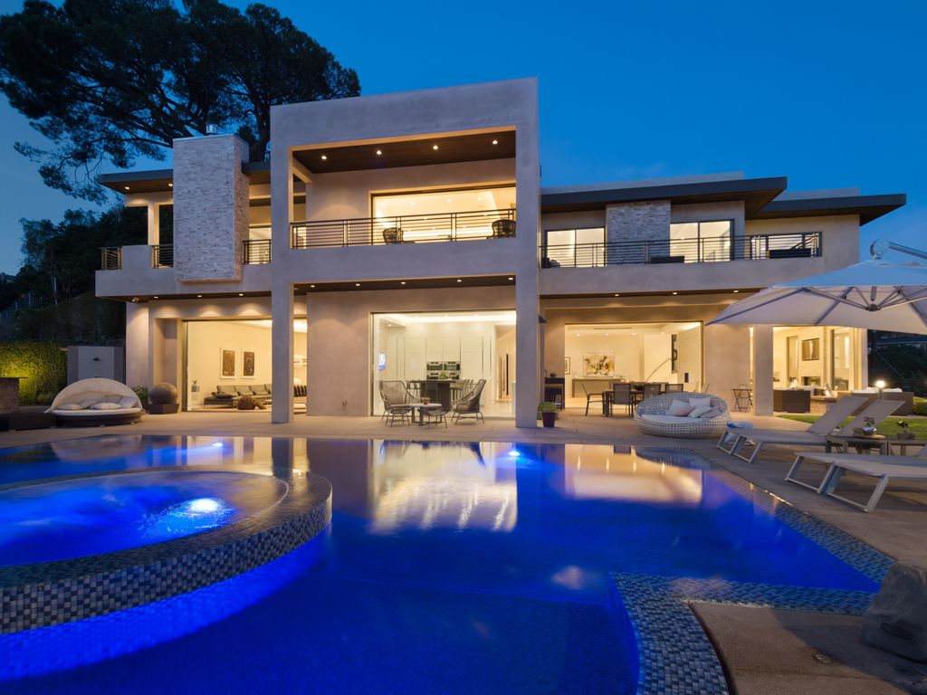 A 7 Bedroom Gated Architectural Masterpiece Crown Jewel Of - Hollywood-hills-architectural-masterpiece