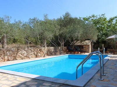 Photo for Newly renovated villa in Stari Grad, private pool, quiet location, air conditioning, wifi