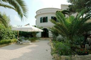Photo for 8 bedroom Villa, sleeps 16 with