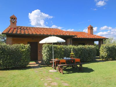 Photo for Holiday house near the lake Trasimeno, two pools and spa area