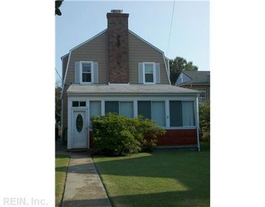 Photo for Family-Friendly, Fenced Yard, Affordable Private Home, Short Walk to Beach