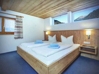 Photo for 8-11 pers apartments - guesthouse RIFA-Gaschurn