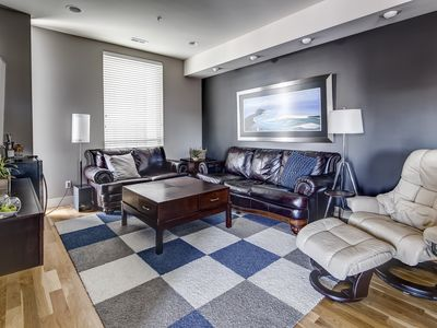 Photo for Immaculate Townhouse With Perfect Views Of Downtown From Rooftop. Walk Anywhere