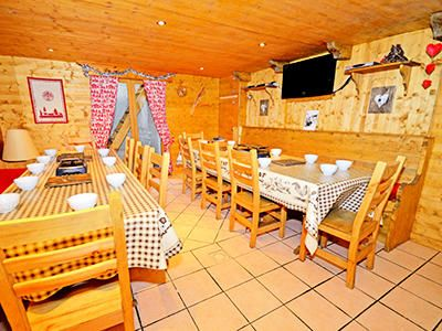 Photo for Chalet Grand Arbet - Chalet 11 rooms 20 people