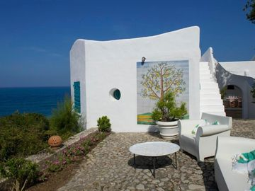 Search 228 holiday rentals