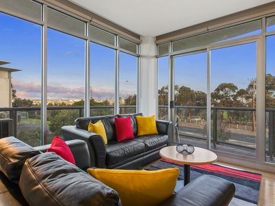 Photo for Highpoint Condo - easy access to Melbourne CBD