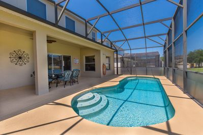 Private Pool, Privacy Glass , BBQ, outdoor seating for 6 and table, sun lounger