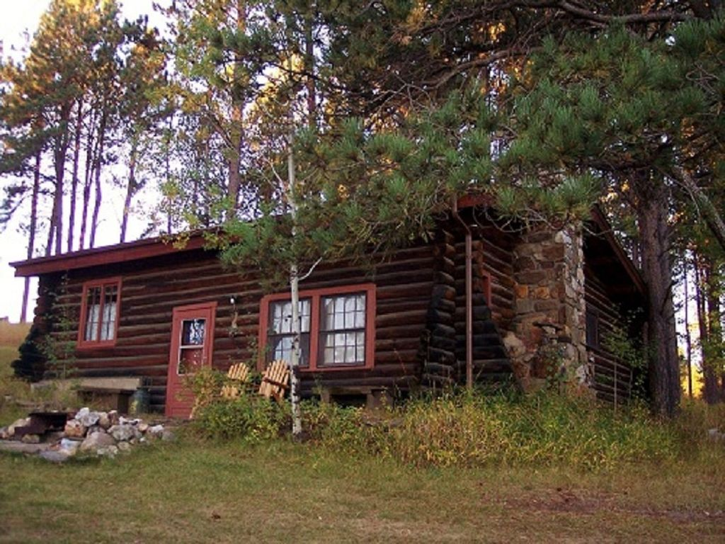 Historic log cabin built in the 1930 39 s homeaway custer for Cabins near custer sd