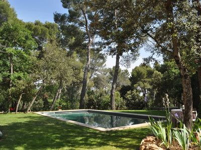 Photo for Villa in the heart of the pine forest Aixoise