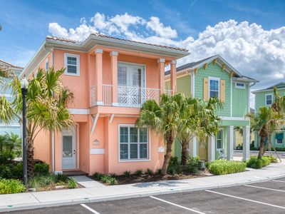Photo for Bright Cottage mins to Disney with Daily Clean+Hotel Amenities+Free Park Shuttle