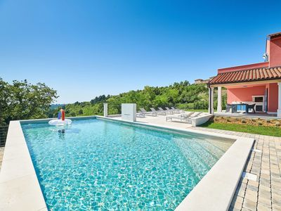 Photo for Stunning private villa for 8 guests with A/C, WIFI, private pool, TV, pets allowed and parking
