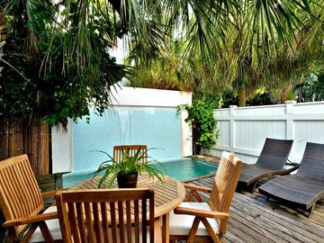 Tropical Retreat - A++ Location W/ Private Heated Pool/Hot Tub