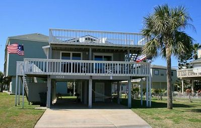 Photo for Well Stocked, Family Friendly, Ocean Views, Pirates Beach Area, Walk to Beach