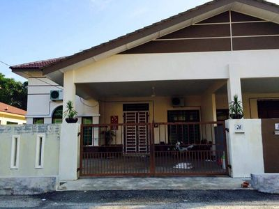Photo for Indah Homestay TTP3 near to Pekan