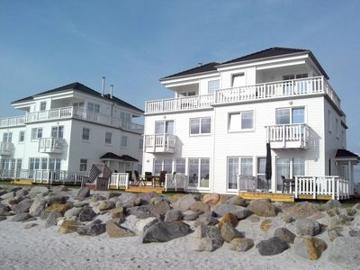 Photo for Luxury on the beach: House with sauna, whirlpool, beach chair and seaview