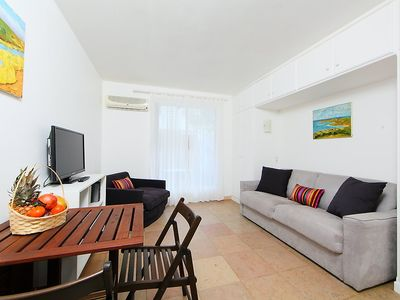 Photo for Apartment 970 m from the center of Cannes with Parking, Internet, Washing machine, Air conditioning (322804)