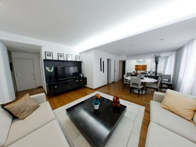 Photo for Very nice 2 bedroom in the best area of Leblon