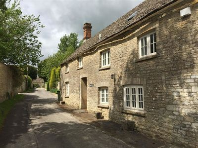 Photo for COTSWOLD COTTAGE, family friendly in Coln St Aldwyns, Ref 988620