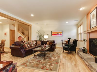 Photo for Luxury, dog-friendly condo with SHARC access & Village w/hot tub!