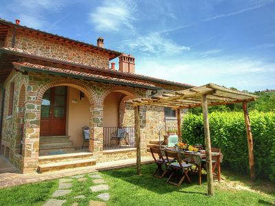 Photo for Luxurious Cottage in Lucignano with Pool