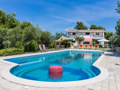 Photo for Villa Claudia with sea view, pool, air conditioning, just 5 minutes from the beach of Alba Adriatica