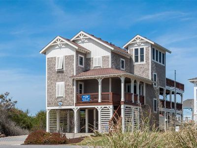 Photo for Blue Moon: Close to the beach, fishing and pier, private pool, hot tub and pool table.