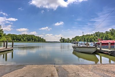 Look forward to walking to the marina and spending time on the lake!