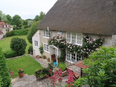 Photo for CHURCH STEPS COTTAGE, pet friendly in Salisbury, Ref 988980