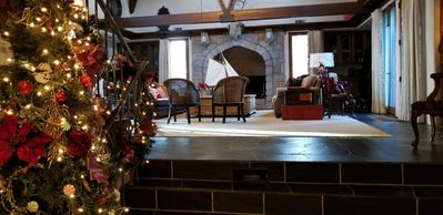 """""""standing-room"""" fireplace"""