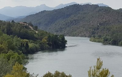 El Figueral Sits Above The River Ebro, magnificent views and exceptional fishing