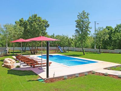 Photo for Beautiful private villa for 8 guests with A/C, private pool, WIFI, TV, pets allowed and parking