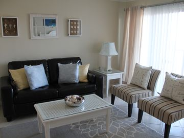 New Luxurious Condo; Excellent Amenities & Furnishings; Make Yourself at Home!