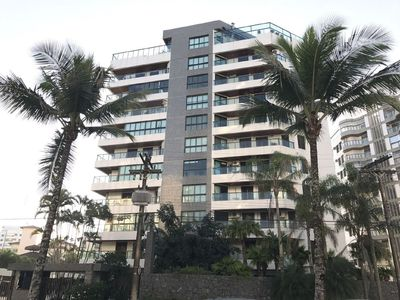 Photo for Great Apt, Great Location, 4 Bedrooms, 2 Suites, 9 Guests