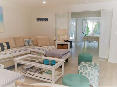 Photo for Lido Key Beach House At 5 Min Walk To Lido Beach. 2 Bedrooms/2 Bathrooms. WiFi.