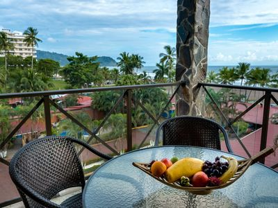 Photo for Tropical Retreat for Families or Small Groups