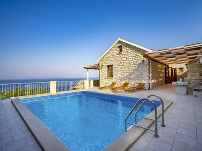 Photo for This 2-bedroom villa for up to 4 guests is located in Prigradica and has a private swimming pool, ai