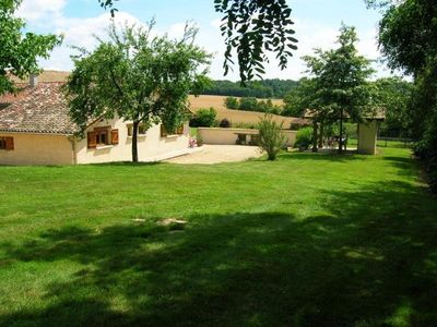 Photo for Gite Saint-Didier-sur-Chalaronne, 3 bedrooms, 6 persons