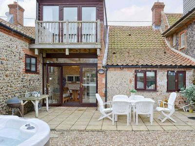 Photo for 4 bedroom property in Blakeney. Pet friendly.