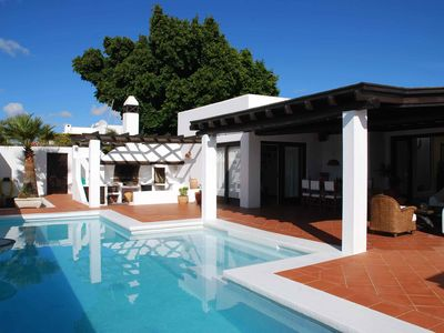 Photo for Los Helechos, Charming villa, pool with hydromassage and a large covered terrace