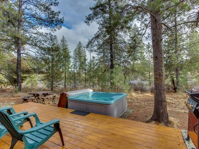 Photo for Updated home w/ private hot tub & SHARC passes for shared pools - two dogs OK!