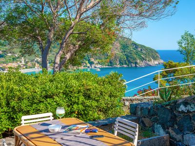 "Photo for ""Il Giardino Sul Mare"", garden on the sea, sea-view, comfortable for 5 people, Levanto 11005LT155"