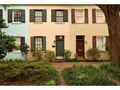 Flexible Refund Policies: Two Story Home on Jones w/ Private Deck