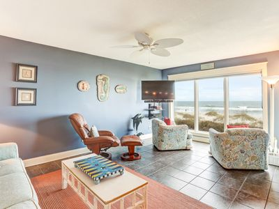 Photo for Remodeled 2 Bed/2 Bath, 2nd floor Oceanfront condo sleeps 6.  Oceanfront deck and pool.