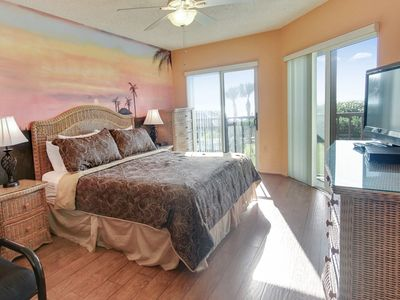 Photo for Land's End 202/11-Uniquely decorated/Many updates/Pool/Hot Tubs/Tennis!