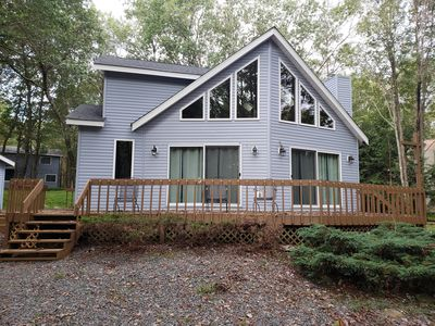 Photo for Watch the leave change in the Poconos!! Cozy, spacious home, Great location!