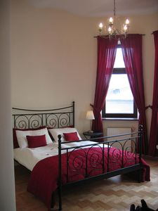 Photo for Luxury 2BR, 2BA, lift, free WiFi, 5 mins to  Main Square
