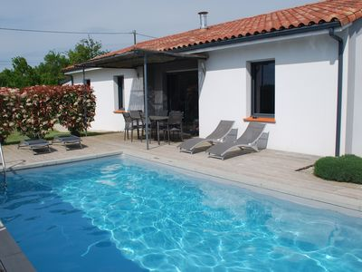 Photo for Villa recent upscale 4 *, quiet with private pool and heated, WIFI