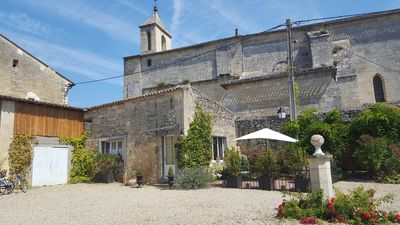 Photo for 1BR Apartment Vacation Rental in Puisseguin, Nouvelle-Aquitaine