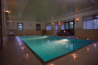 Brilliant Luxurious House With Indoor Heated Swimming Pool Sleeps 15 Download Free Architecture Designs Remcamadebymaigaardcom